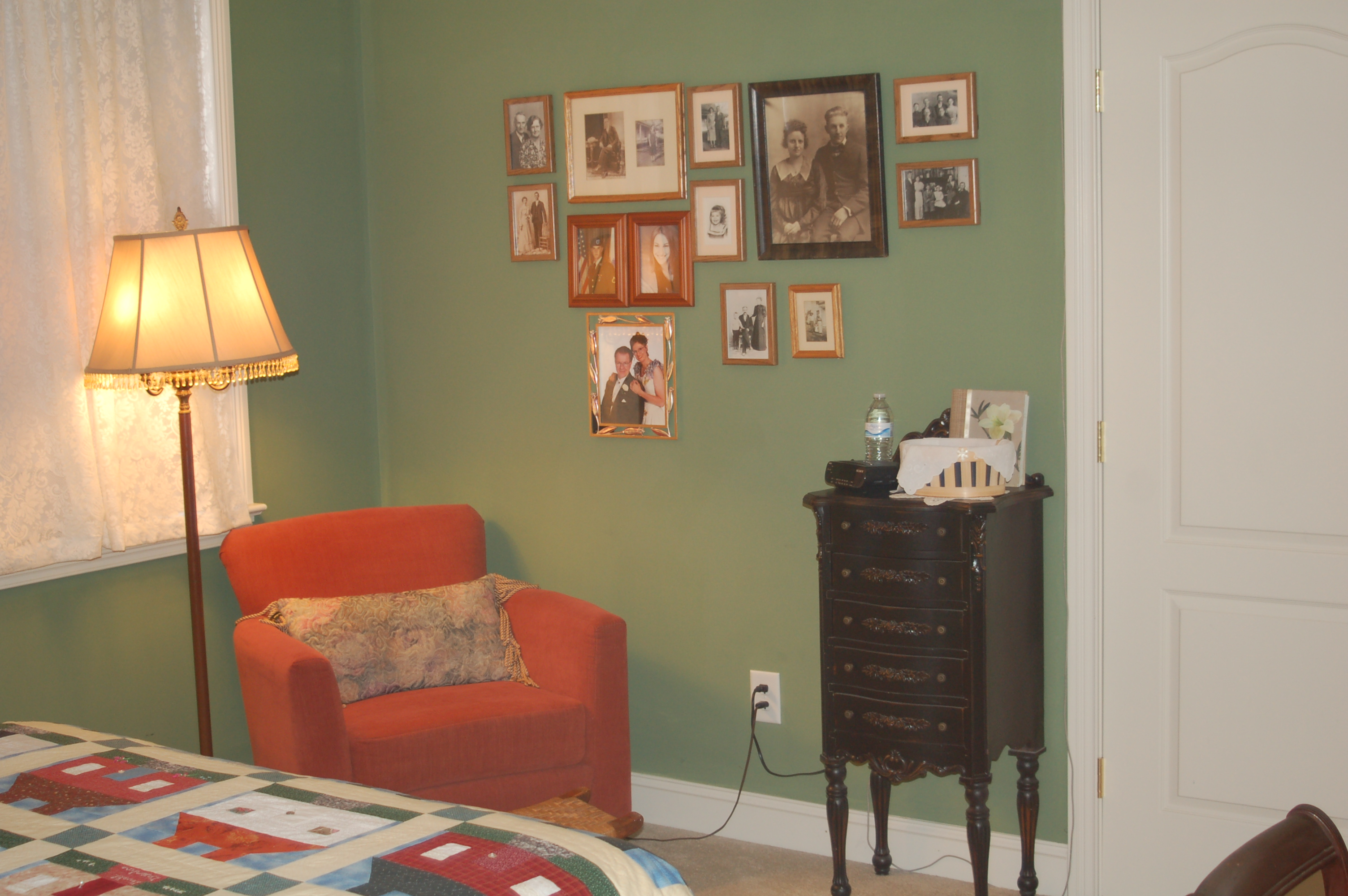 Green guest room at Haynes Bed and Breakfast