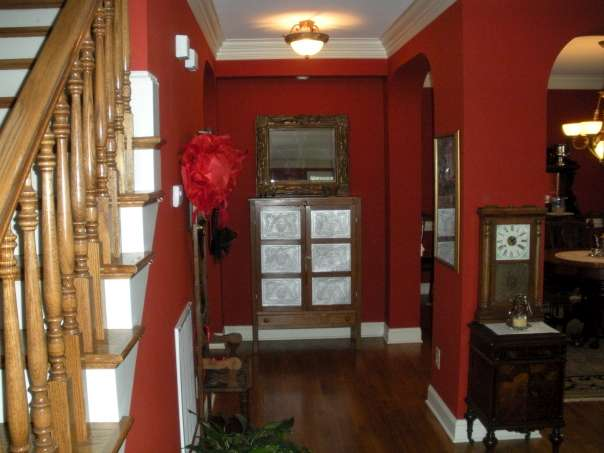 Downstairs hallway at Haynes Bed and Breakfast